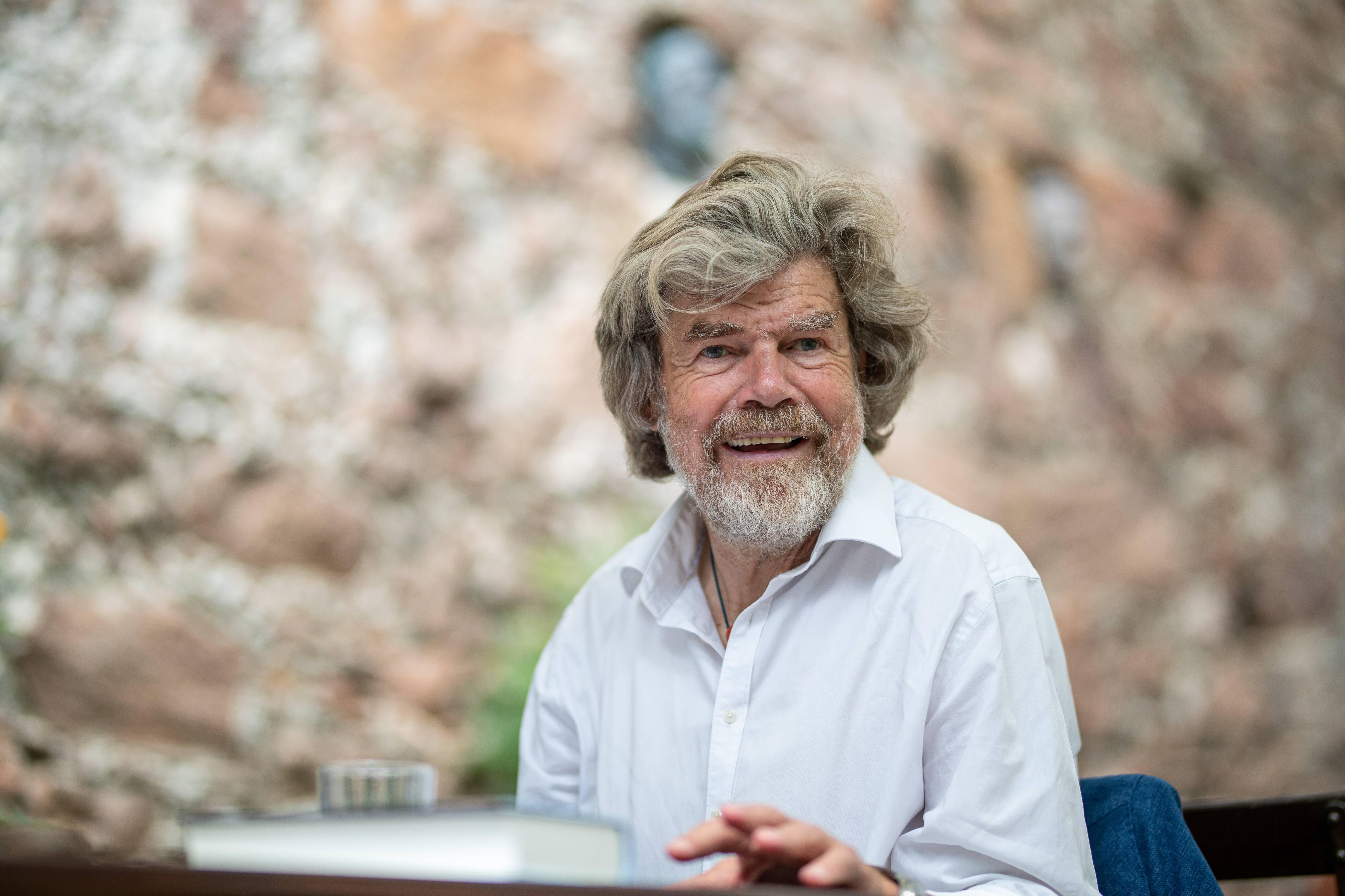 """Reinhold Messner im ALPIN-Interview ( Teil I): Reinhold Messner: """"Es ist das schönste Gefühl, vom Berg zurückzukommen"""""""