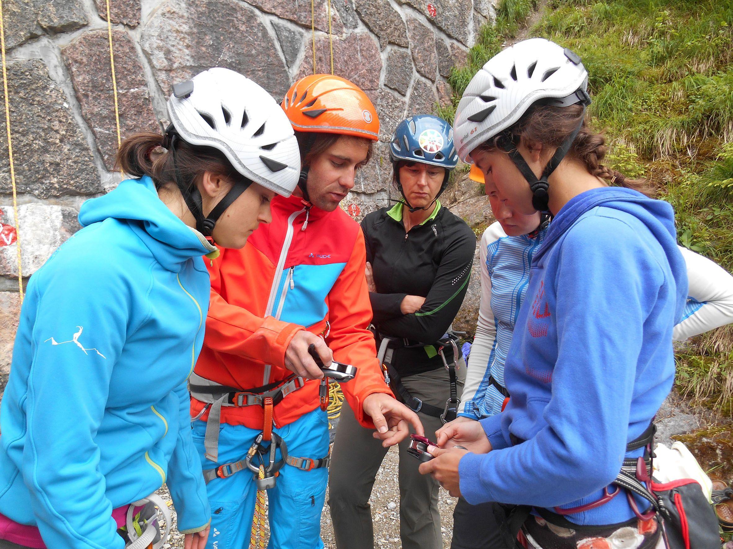 Kletterausrüstung Verleih Innsbruck : Sieben kostenlose climbing camps