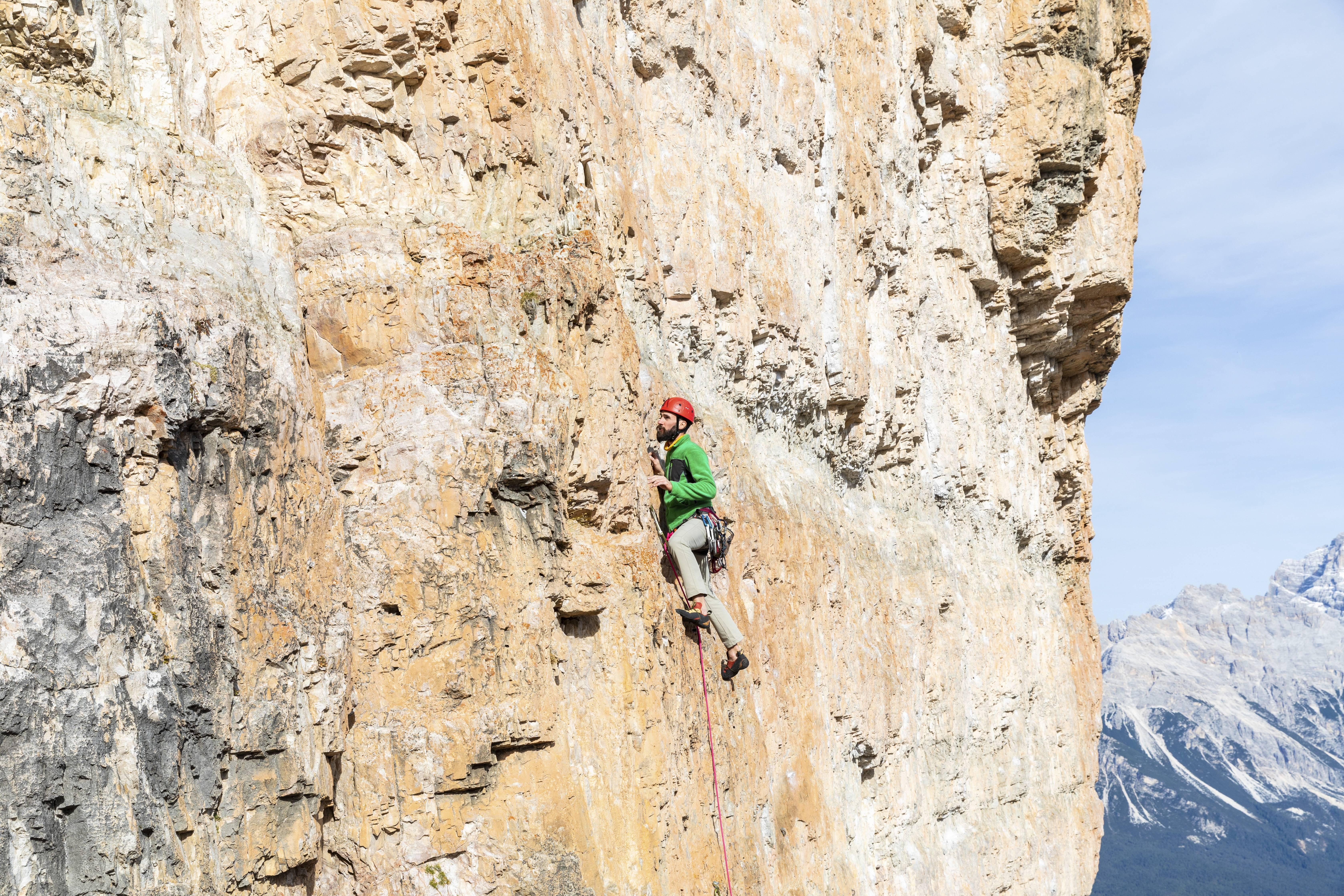 Kletterausrüstung Packliste : Packliste klettern das muss mit auf mehrseillängen routen