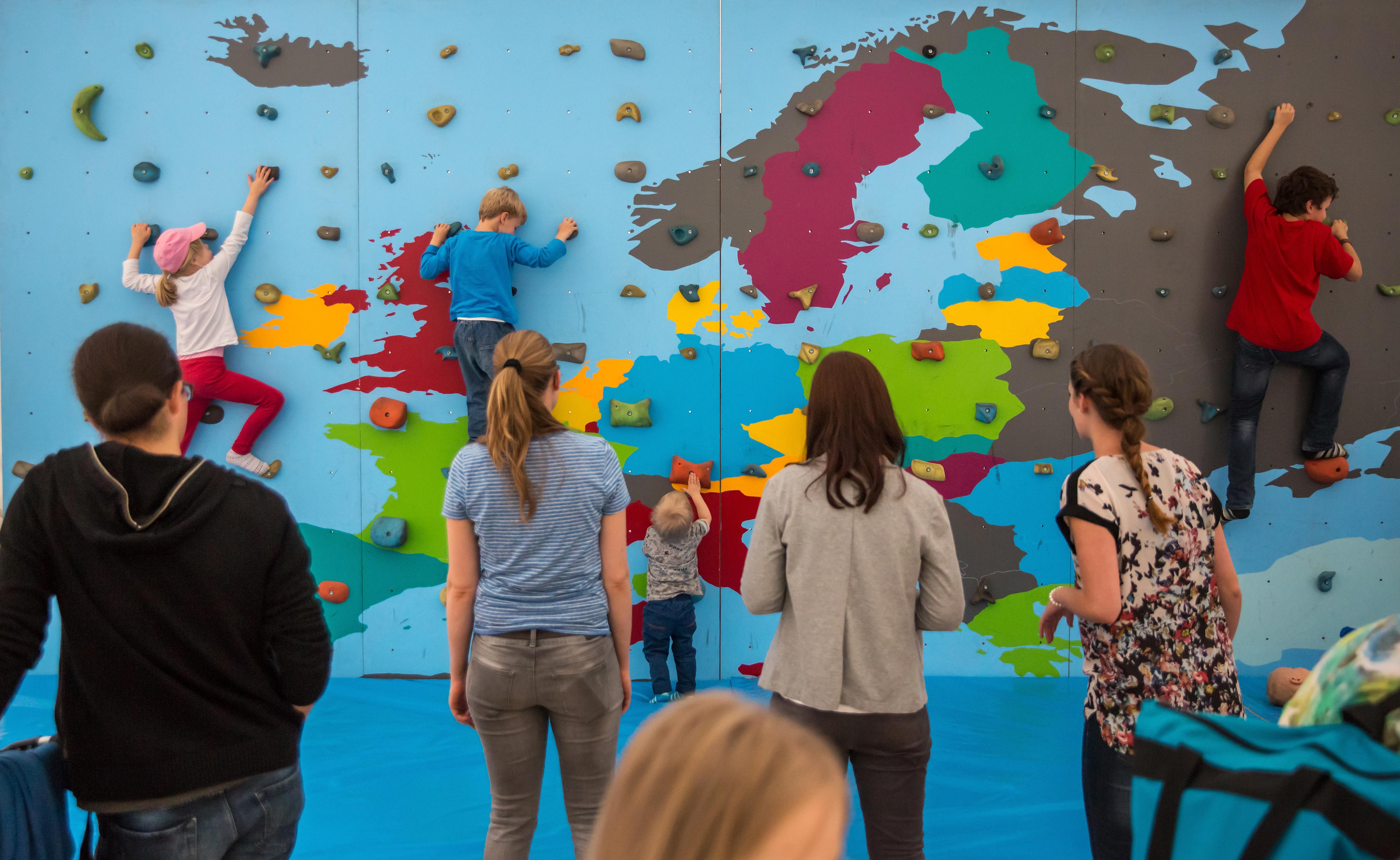 Klettergurt Kinder Petzl : Mit kindern klettern darauf sollten eltern achten