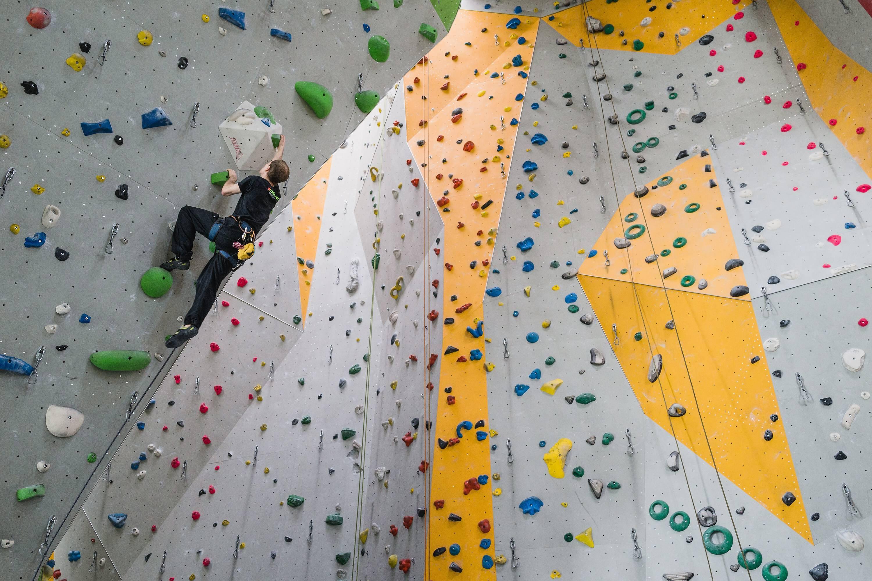 Kletterausrüstung Kosten : Hallenklettern: tipps und tricks für den start